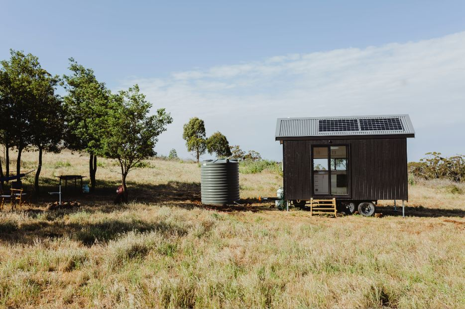 9 reasons to put a tiny home on wheels instead of a slab